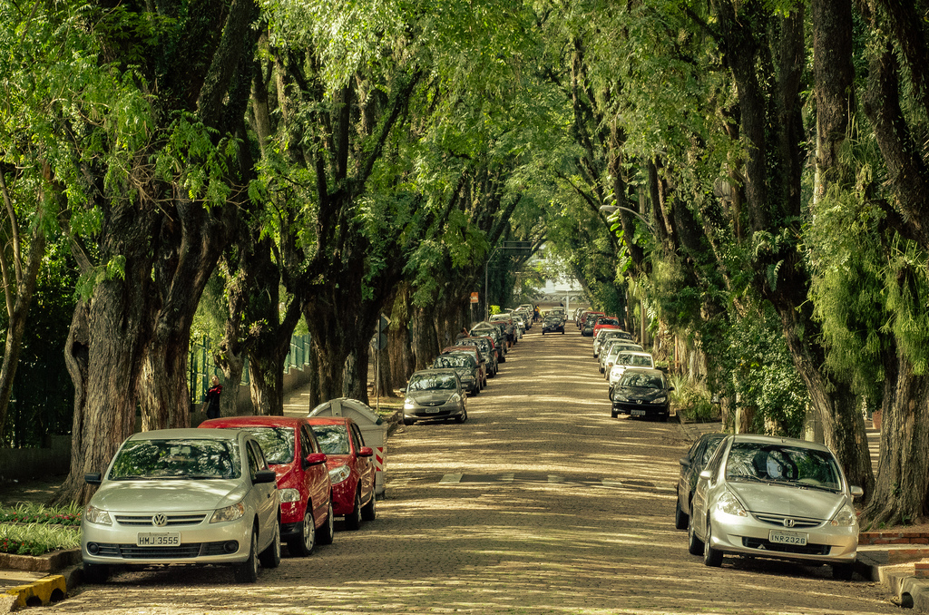 Rua-Goncalo-de-Carvalho-in-the-City-of-Porto-Alegre-Brazil-7