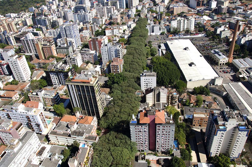 Rua-Goncalo-de-Carvalho-in-the-City-of-Porto-Alegre-Brazil-8