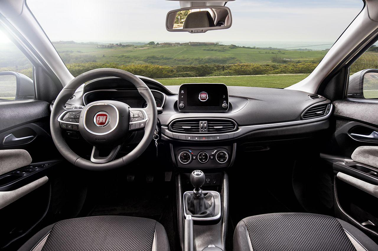 160502 Fiat Tipo interni 01