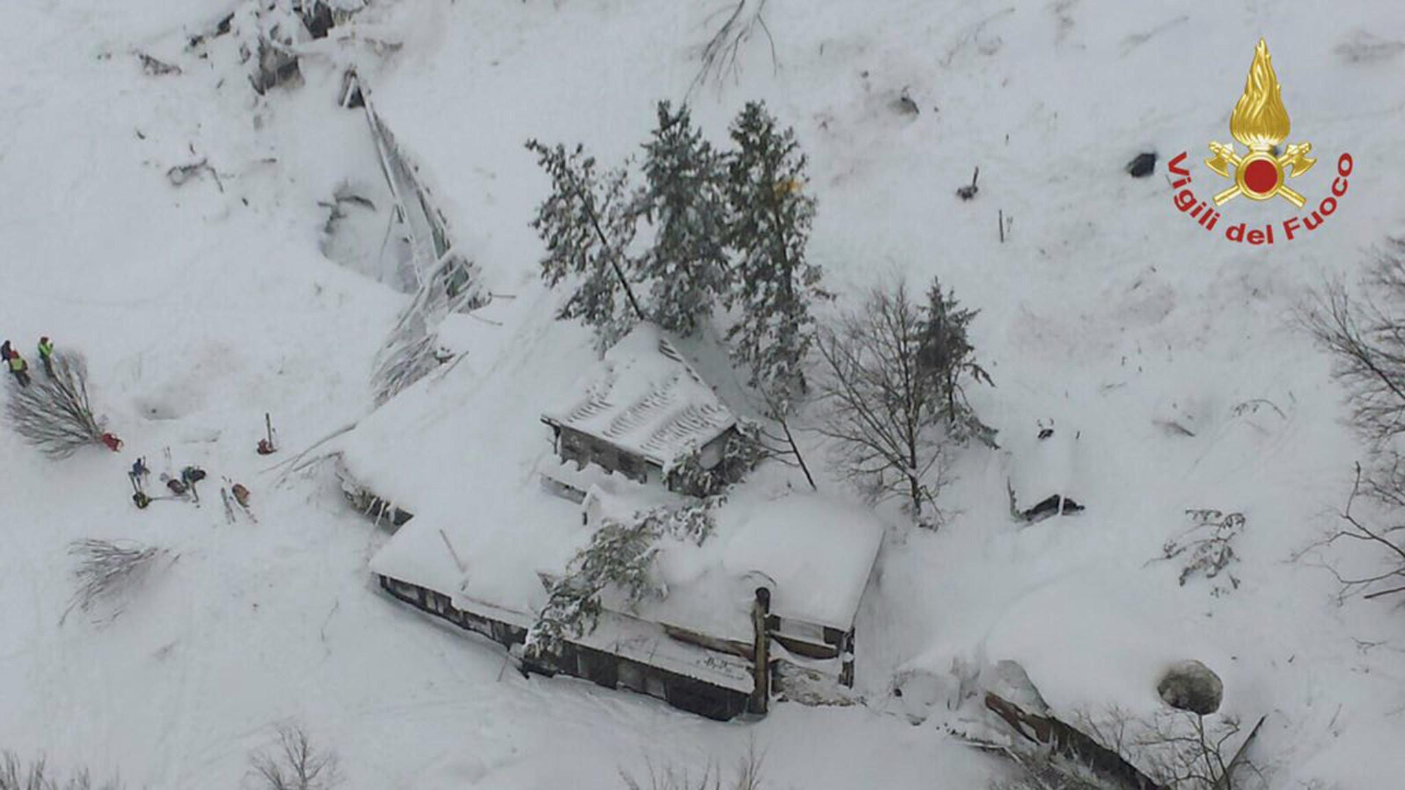 ct italy avalanche 20170119