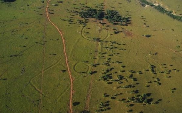 stonehenge large trans NvBQzQNjv4BqUgehH7knIs2mL4LO crfgsFhfGM2zRzKjwiAbLfWNNk