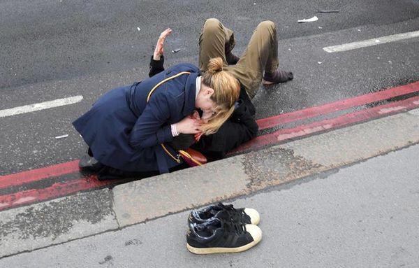 pirovolismoi londino3