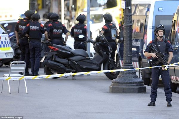4354BC5600000578 4800282 Pictured Armed police on the streets of Barcelona following this a 26 1503015529376