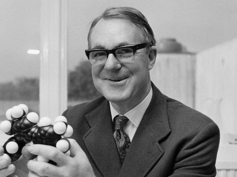 Τζον Κόρνφορθ χημικός