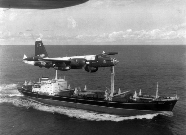 P 2H Neptune over Soviet ship Oct 1962