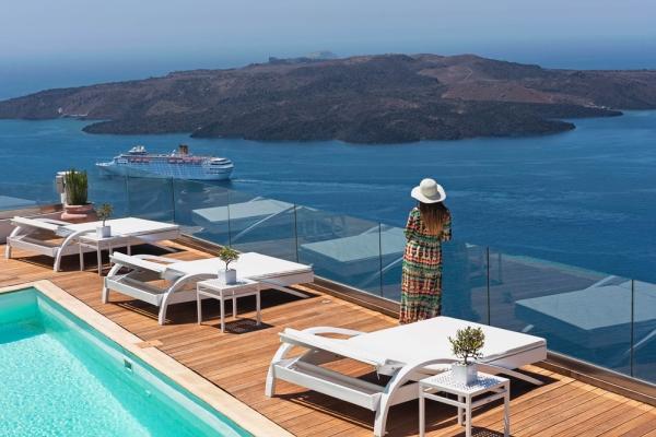 3 Athina Luxury Suites
