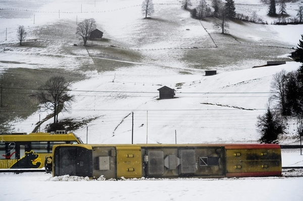 train swiss derailed