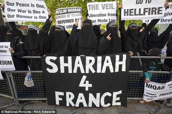 Sharia4FranceBurqas