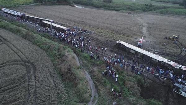 tourkia treno6