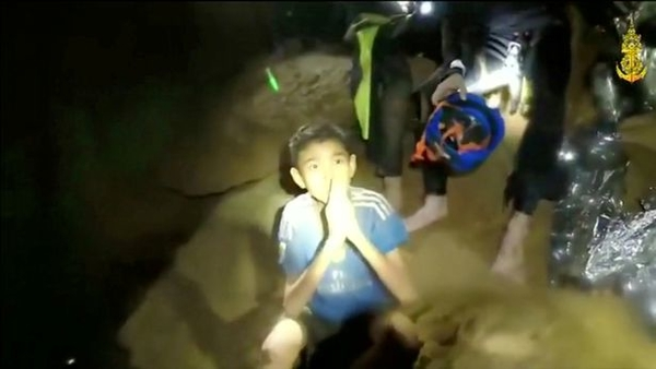 thai kids trapped inside Tham Luang cave