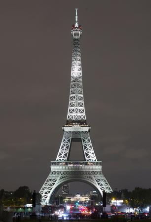parisi iapwnia photo bomb 11