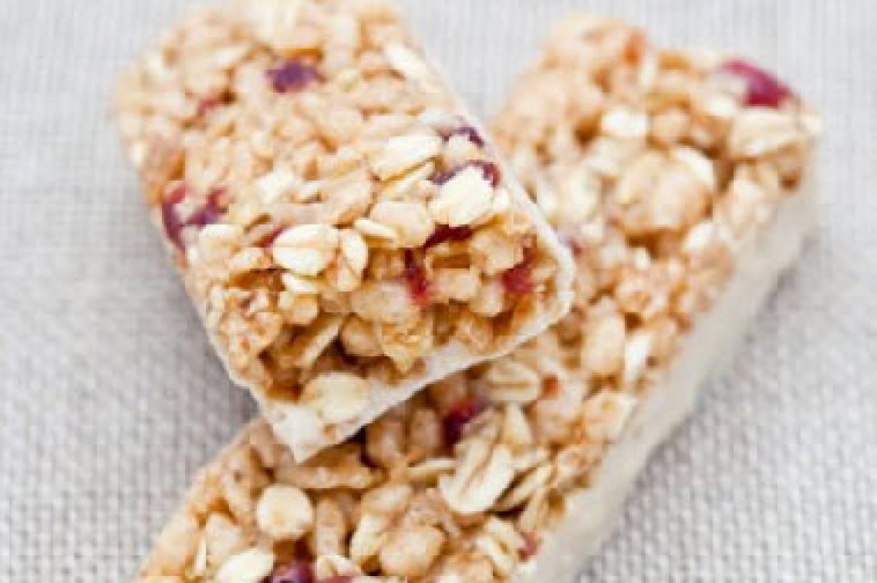 Υγιεινές μπάρες δημητριακών από τα χεράκια σας