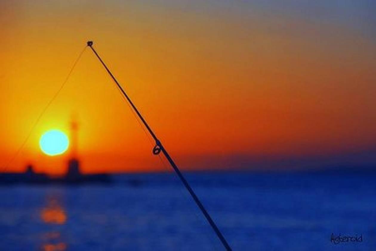 Μείωση του αριθμού σκαφών και αδειών για την αλιεία του τόνου
