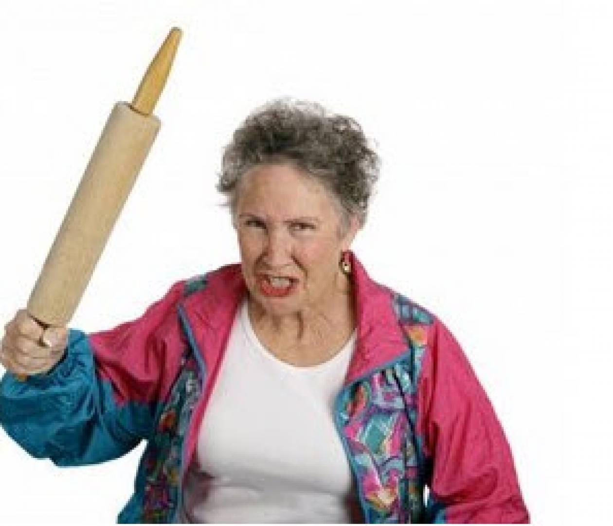 Πεθερά vs Νύφης : Αποκρούστε τις εισβολές...