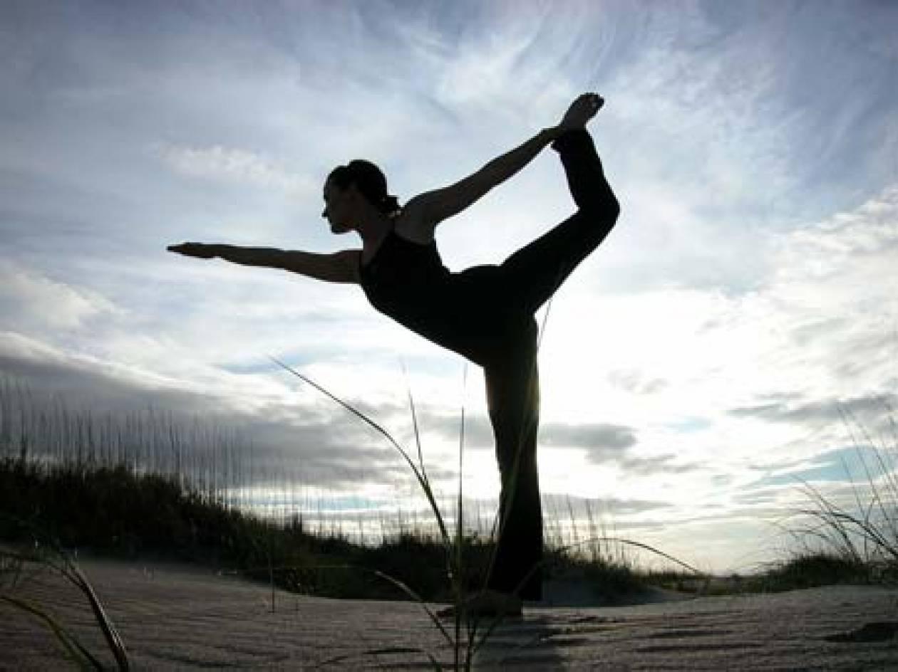 Δυναμώστε σωματικά και πνευματικά κάνοντας γιόγκα