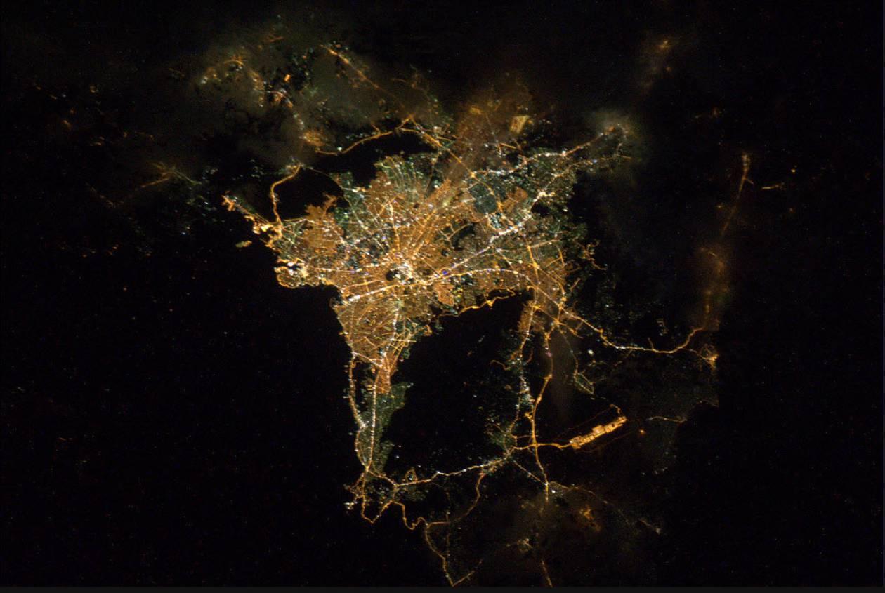 Η Αθήνα τη νύχτα!