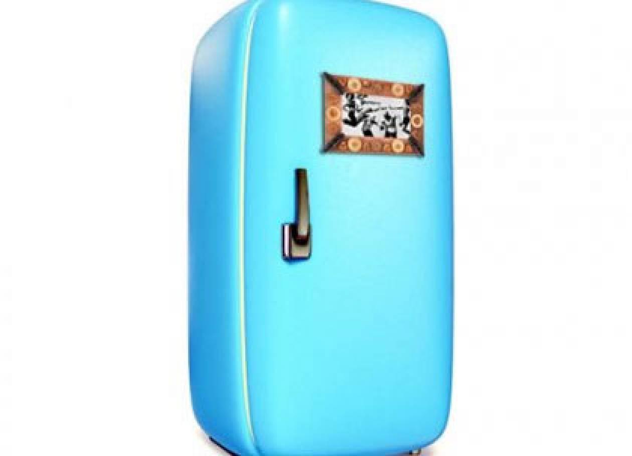 Κάντε την παλιά σας κορνίζα μαγνητάκι για το ψυγείο σας