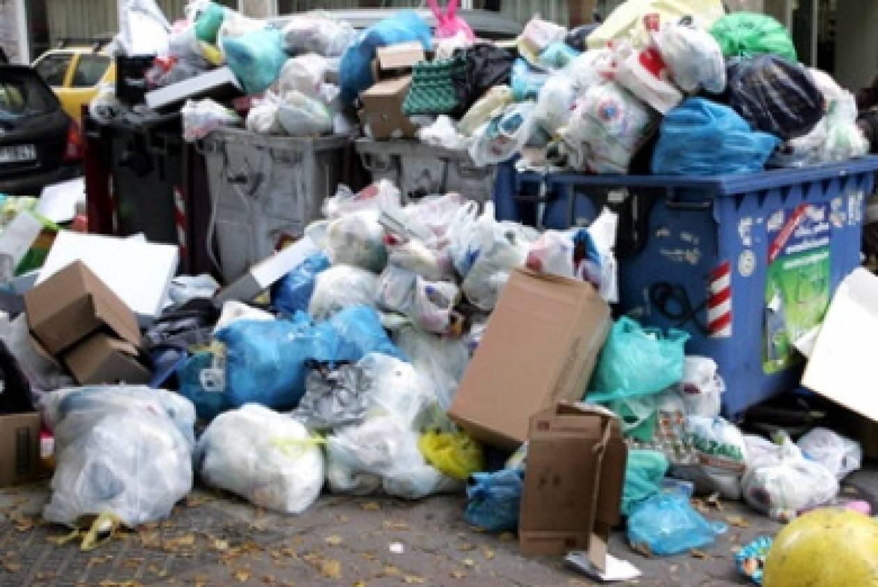 Έδεσσα: Έληξαν οι συμβάσεις… τους έπνιξαν τα σκουπίδια