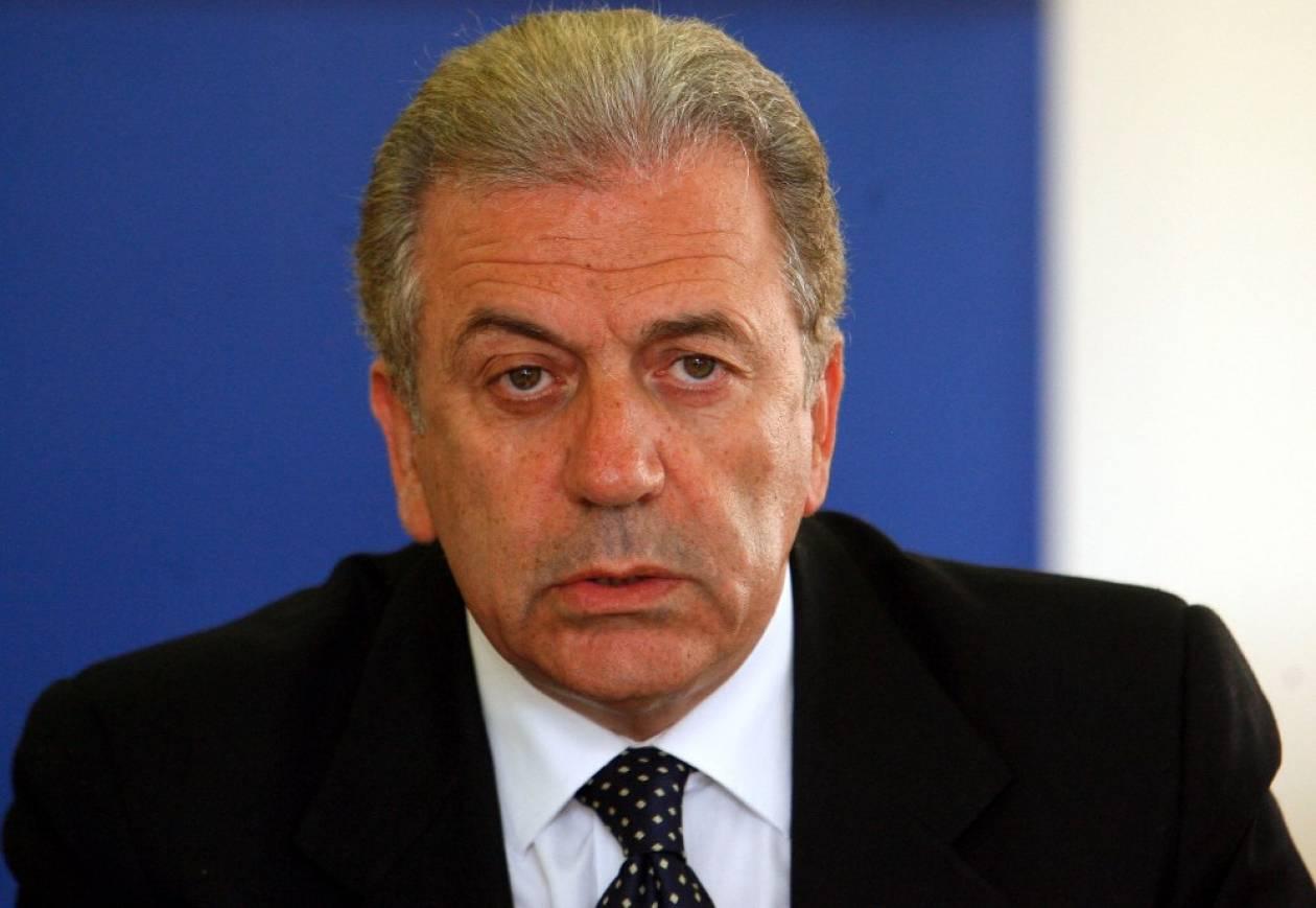 Αβραμόπουλος: Υπερέβη τα εσκαμμένα ο Νταβούτογλου