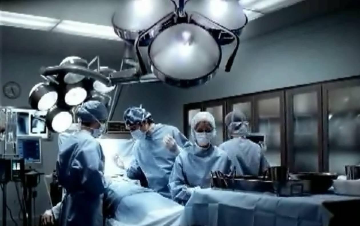 Πραγματοποιήθηκε η πρώτη μεταμόσχευση χεριού