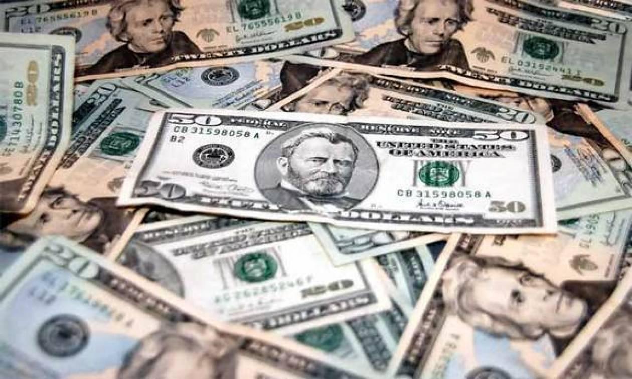 Λεφτά υπάρχουν... στις τσέπες των ψηλών
