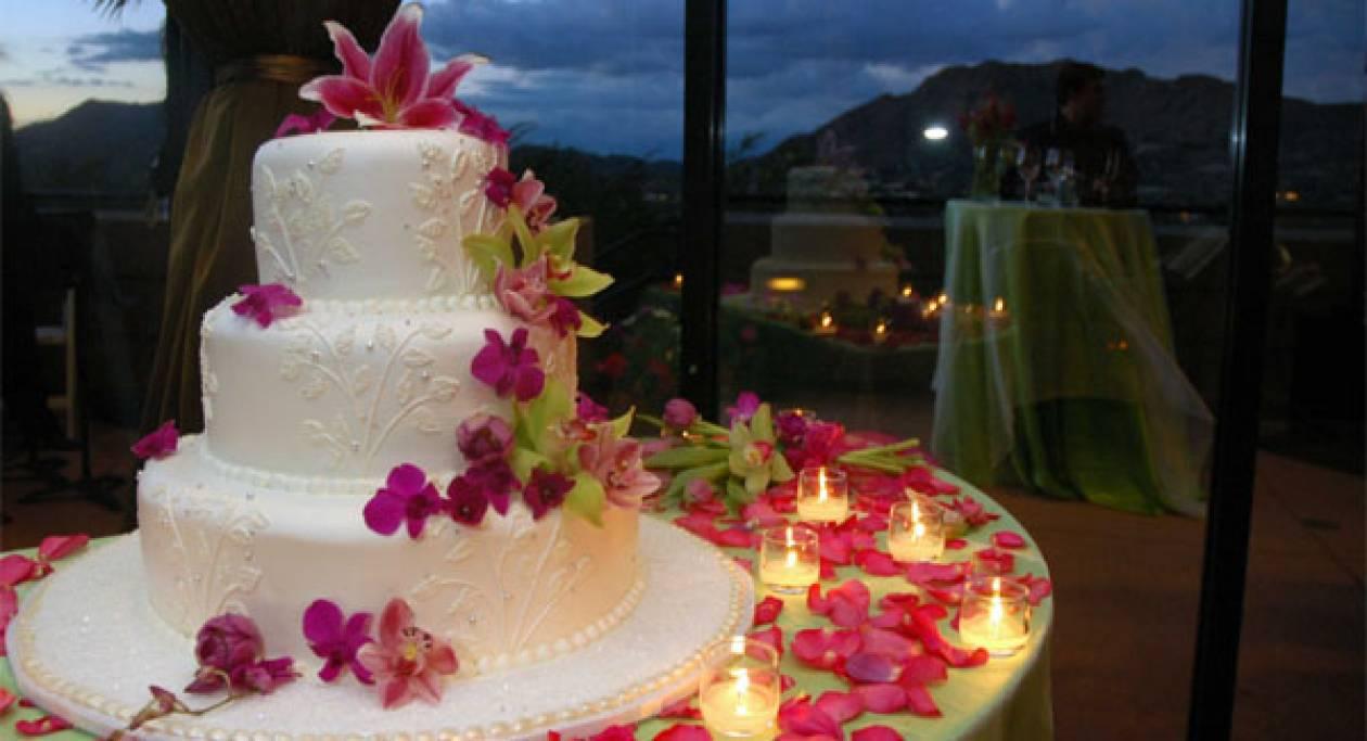 Πόσο ζύγιζε η μεγαλύτερη γαμήλια τούρτα του κόσμου;