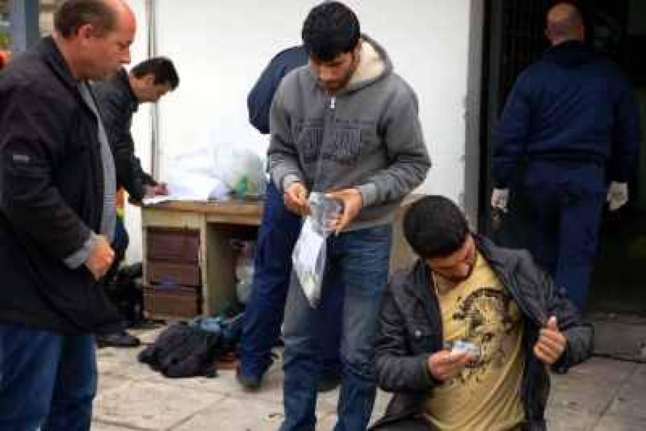 Αλλοδαποί πουλούσαν προστασία σε αλλοδαπούς