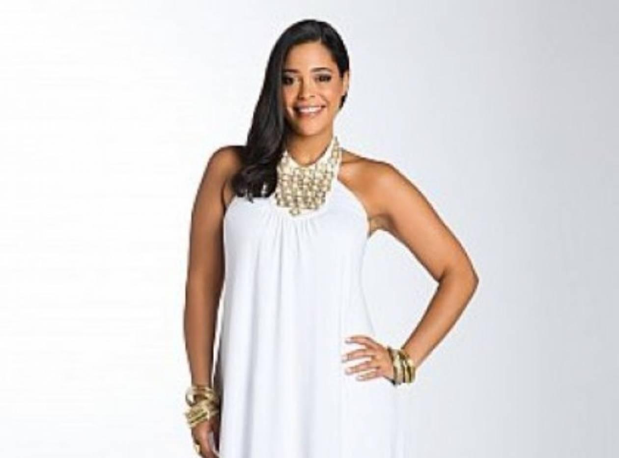 Το plus size λευκό φόρεμα
