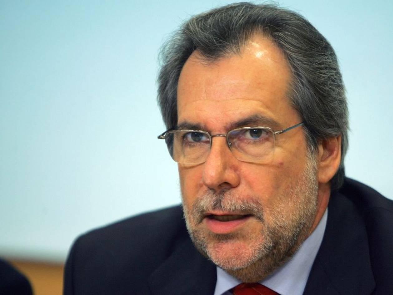 Χ. Παπουτσής: «Οι πολιτικοί αγώνες δεν γίνονται με όπλα»