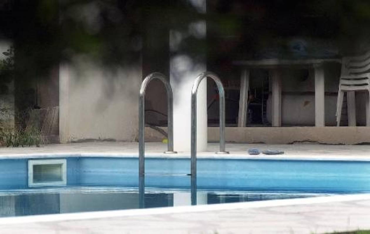 Εγκλωβίστηκε παιδάκι σε πισίνα ξενοδοχείου