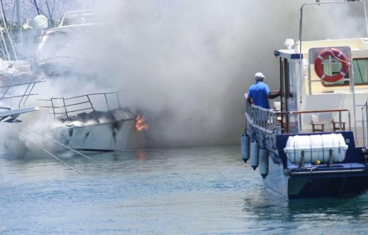 Τυλίχτηκε στις φλόγες σκάφος στην Ζάκυνθο