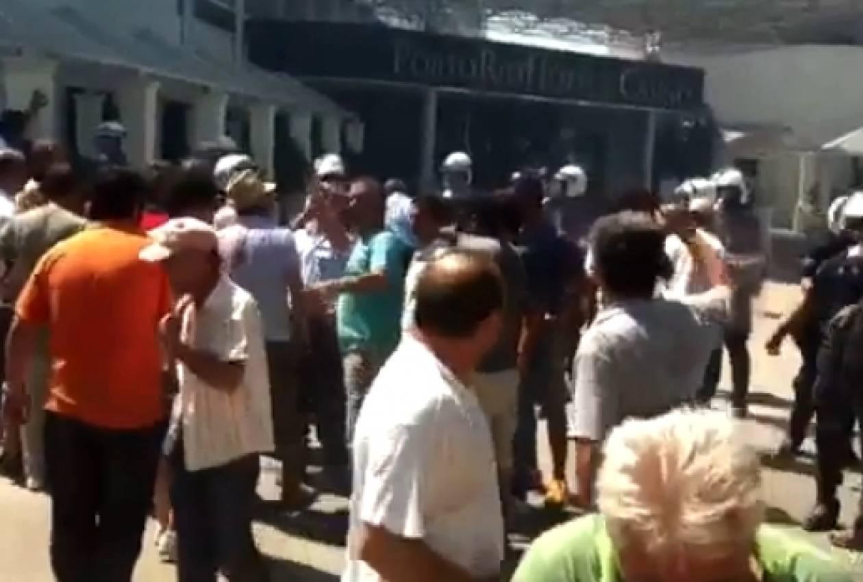 VIDEO: Τα ΜΑΤ δεν λυπήθηκαν ούτε τα μικρά παιδιά στην Πάτρα