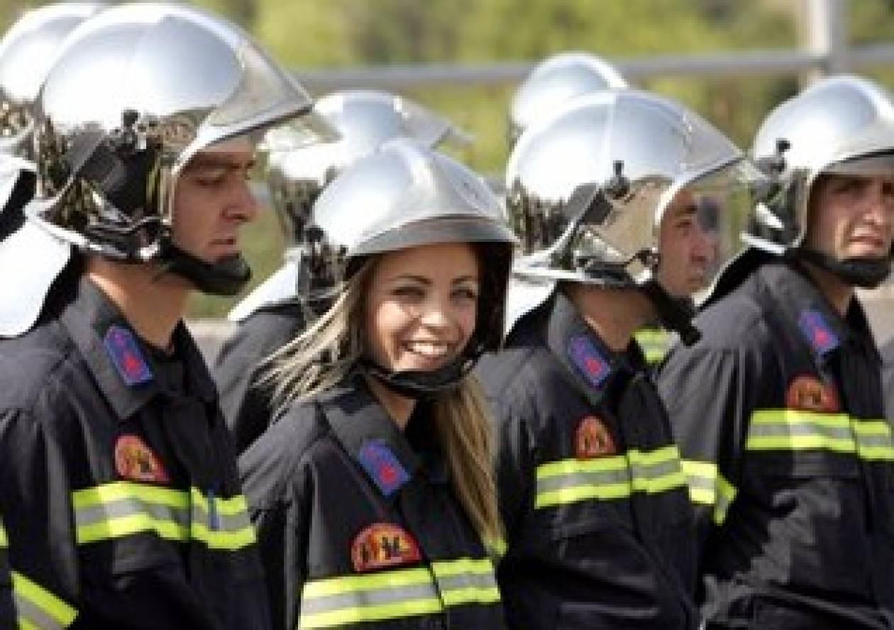 Τώρα θυμήθηκαν να προσλάβουν πυροσβέστες