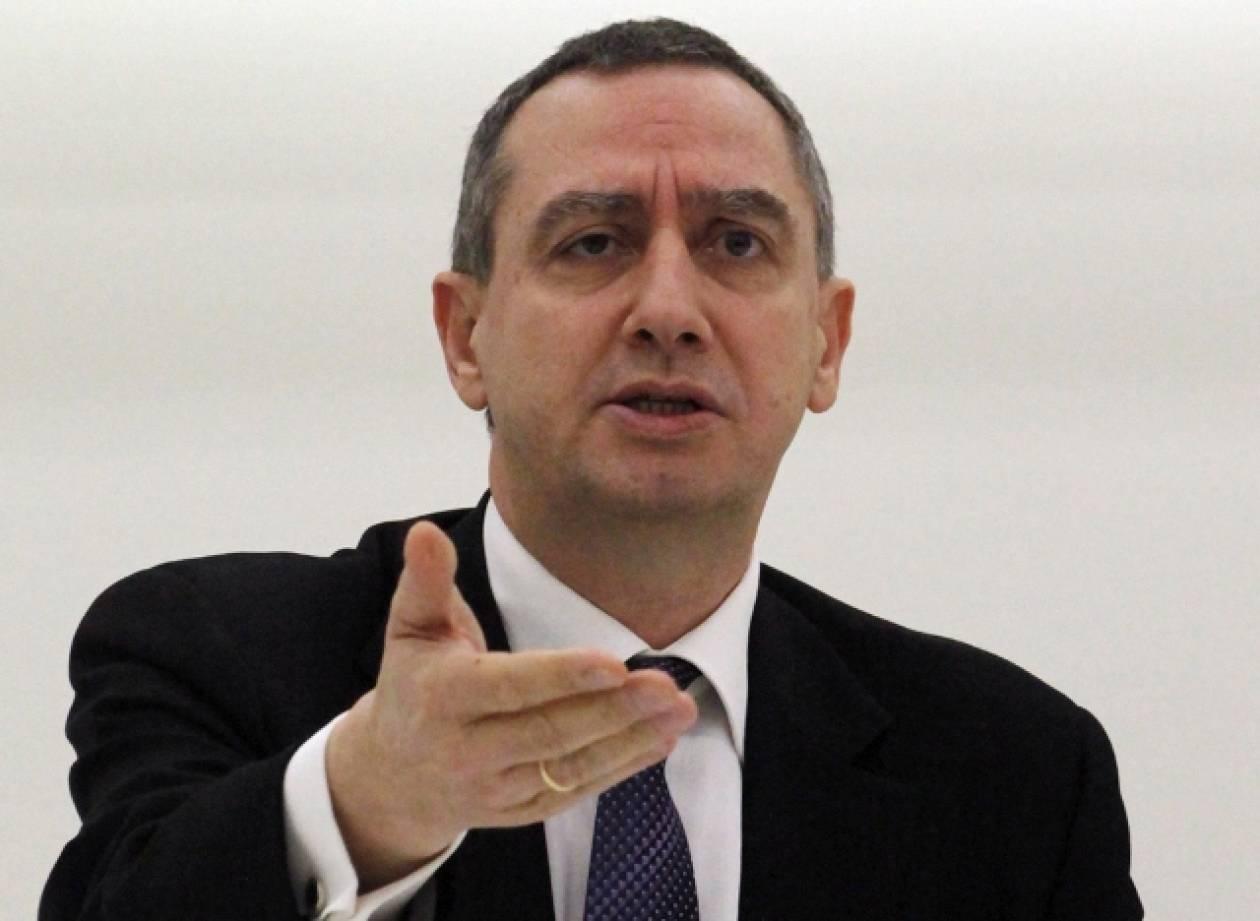 Γ. Μιχελάκης: «Παραλήρημα παραπληροφόρησης» Βενιζέλου