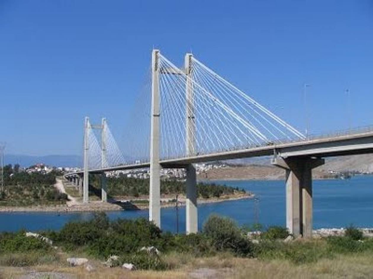Τραγωδία στην υψηλή γέφυρα της Χαλκίδας