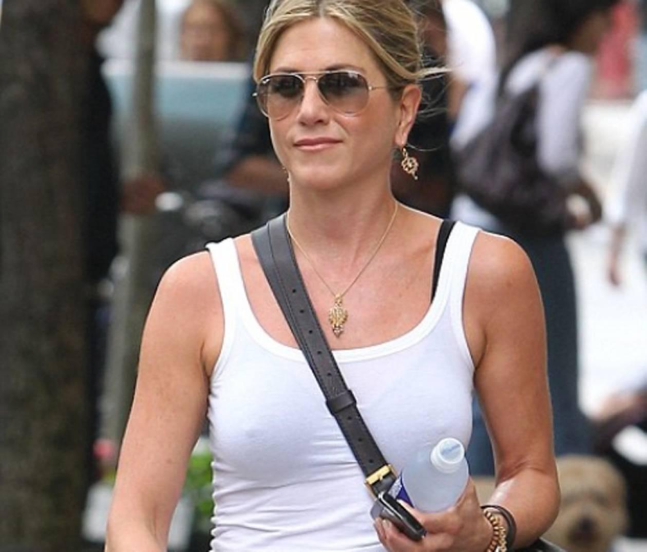 Το σέξι …στήριγμα της Jennifer Aniston