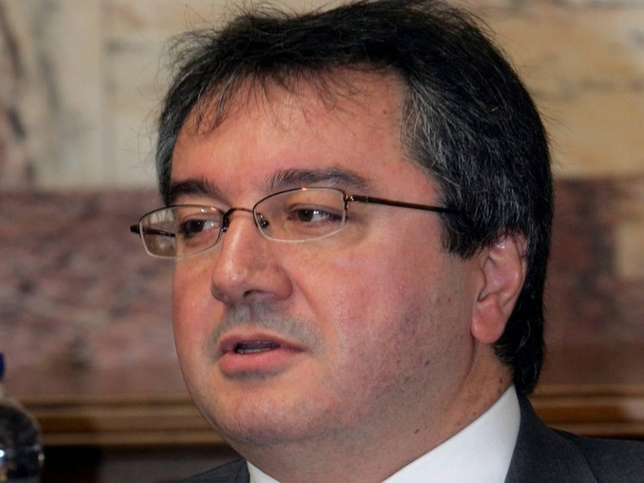 Η. Μόσιαλος: «Πρέπει να δηλώνεται το αποταμιευμένο εισόδημα»