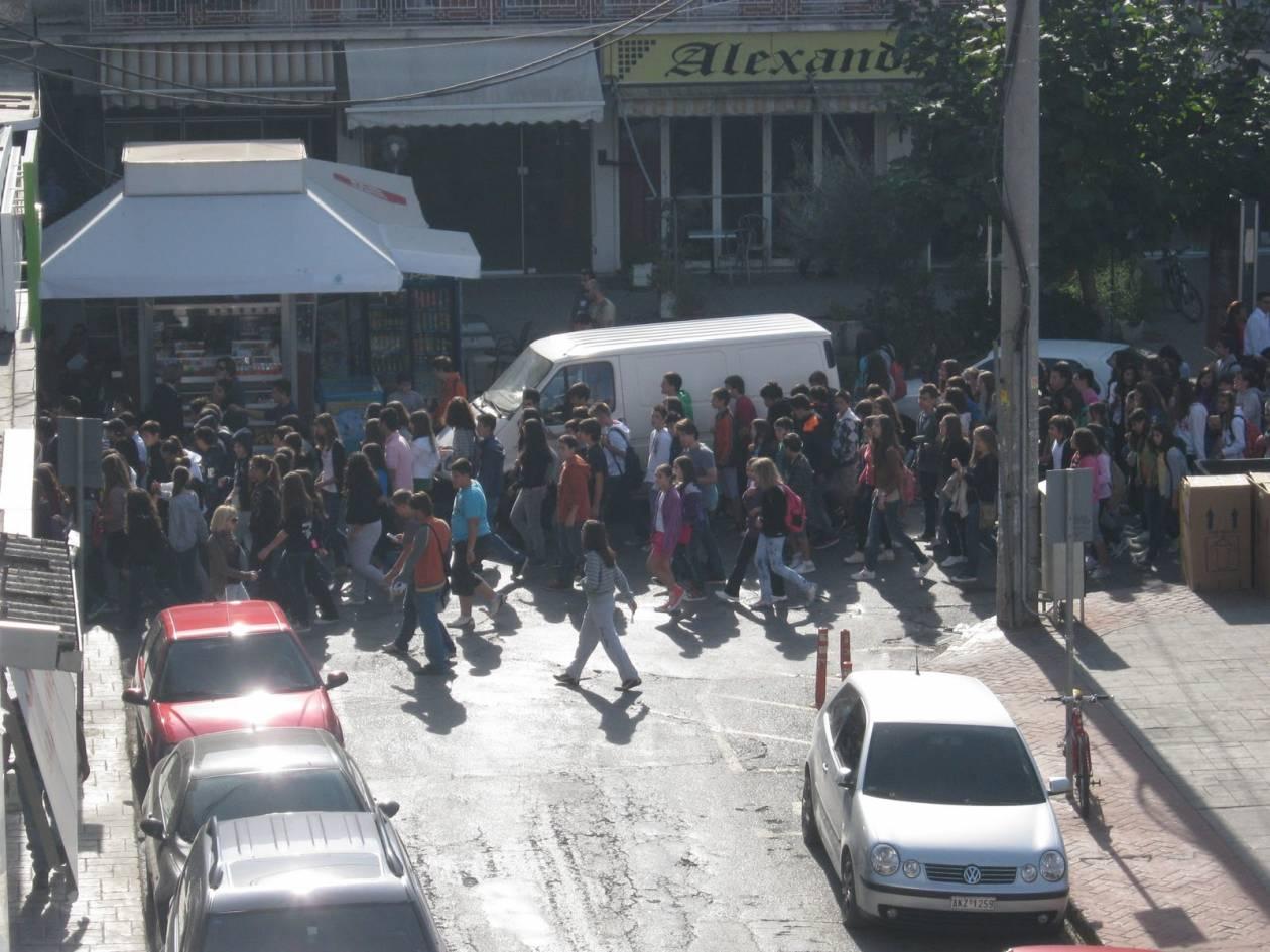 Στους δρόμους της Τρίπολης οι μαθητές