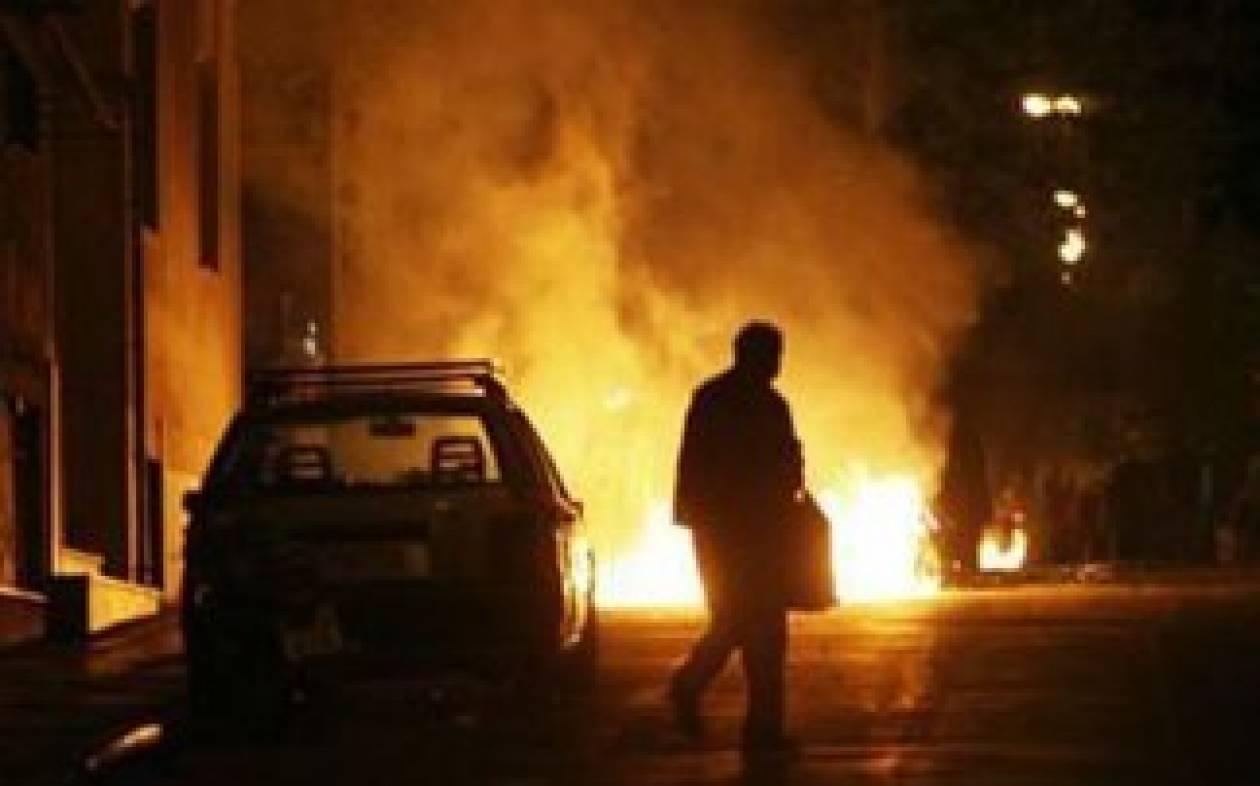 Στις φλόγες αμάξι στην Αγία Βαρβάρα