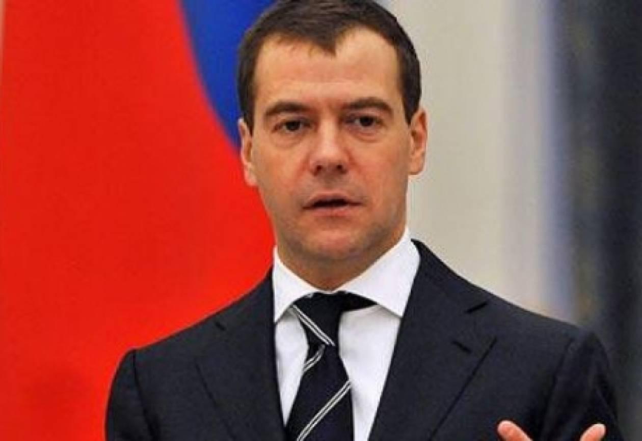 Μεντβέντεφ: Οι εκλογές δεν έχουν κριθεί