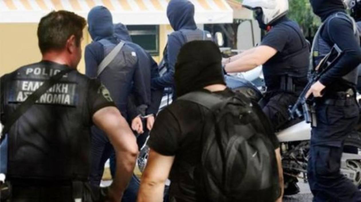 Παραδόθηκε 36χρονος κατηγορούμενος για τον «Επαναστατικό Αγώνα»
