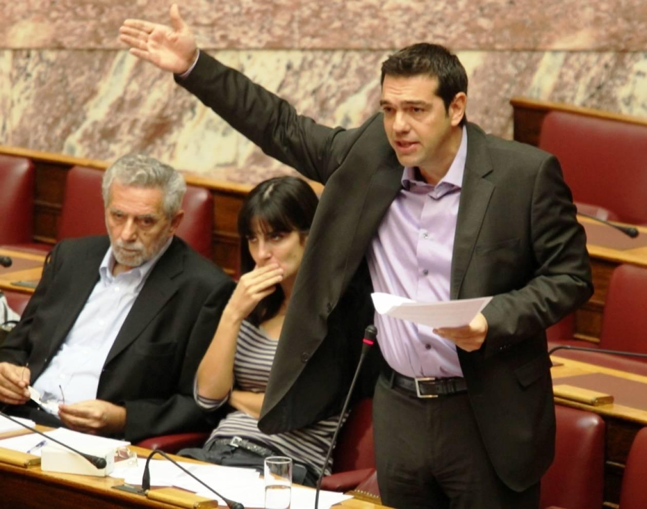 Κόντρα Κουτρουμάνη-Τσίπρα στη Βουλή για τα ομόλογα των Ταμείων