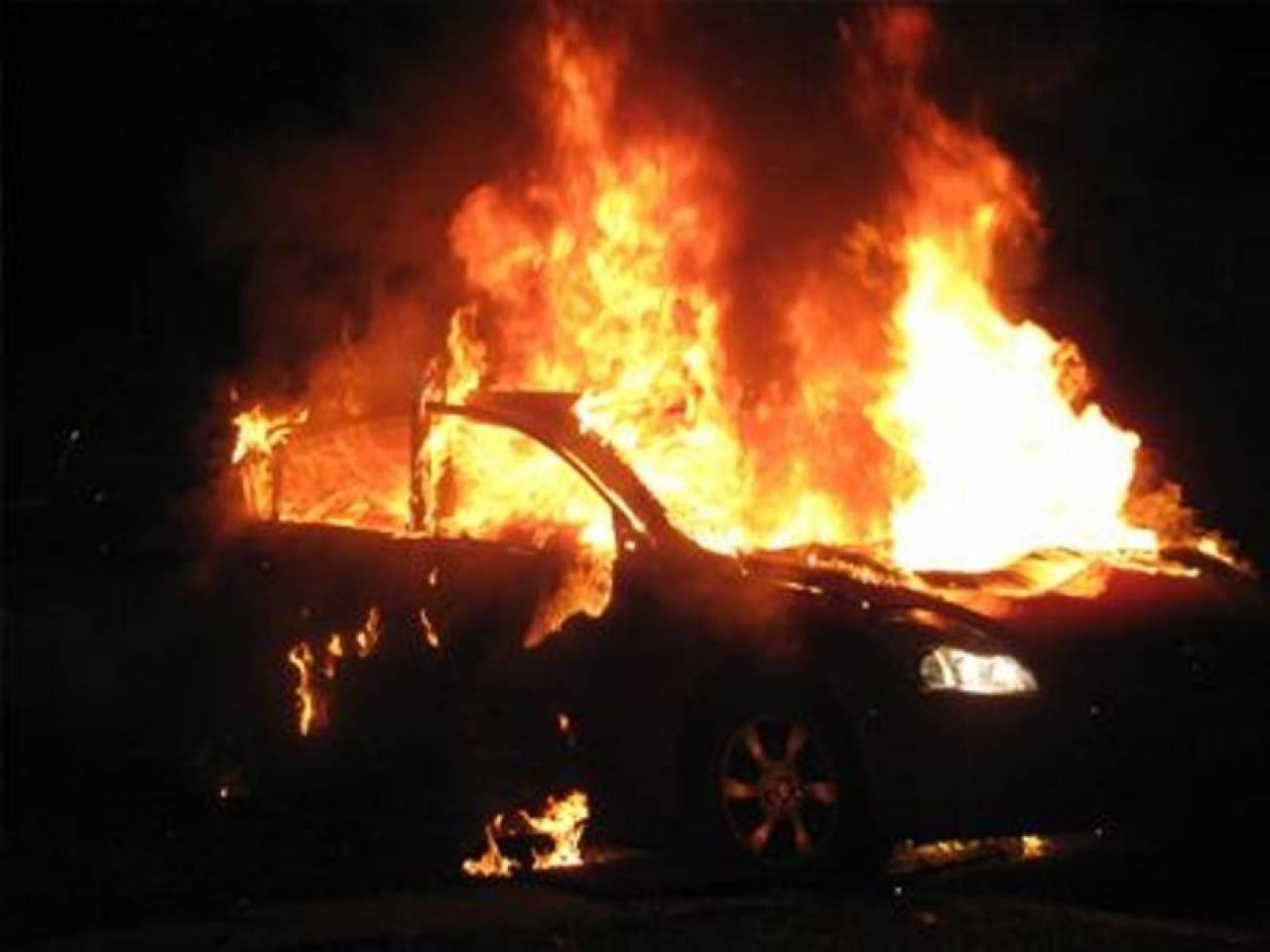 Λαμπάδιασαν δυο αυτοκίνητα στο Παλ. Ψυχικό