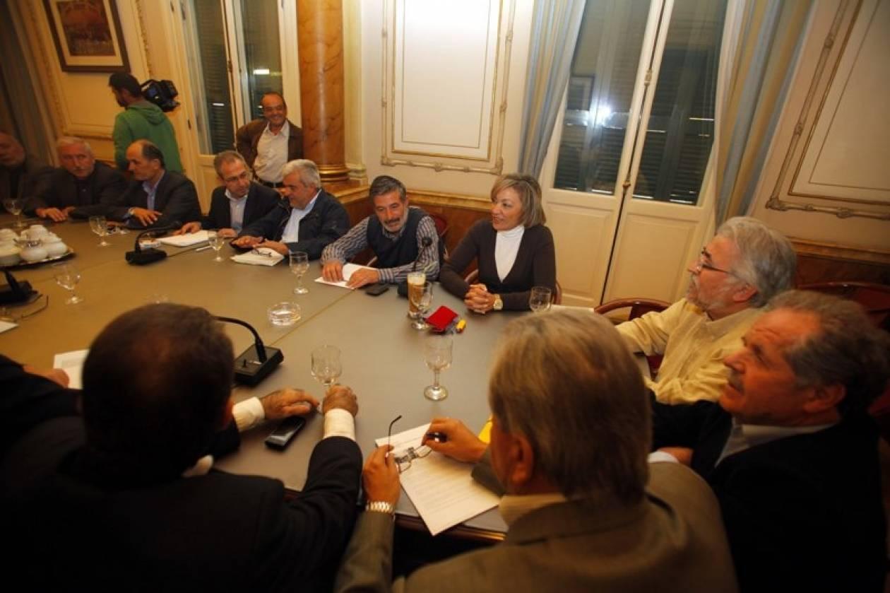 Χωρίς αποφάσεις η κοινή συνεδρίαση ΓΣΕΕ - ΑΔΕΔΥ