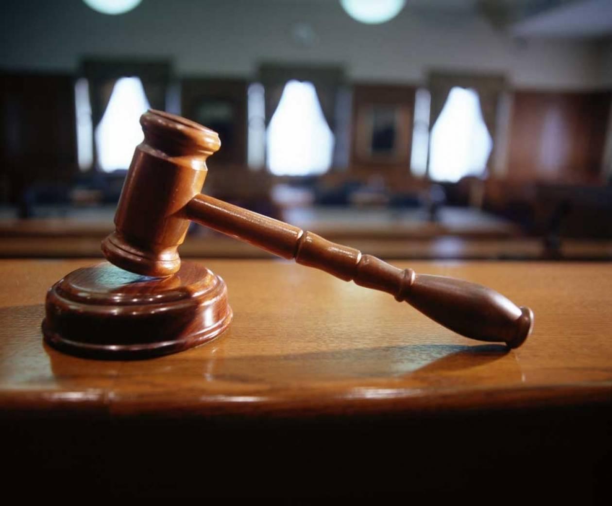 Συνεχίζεται ο «πόλεμος» μεταξύ δικαστών