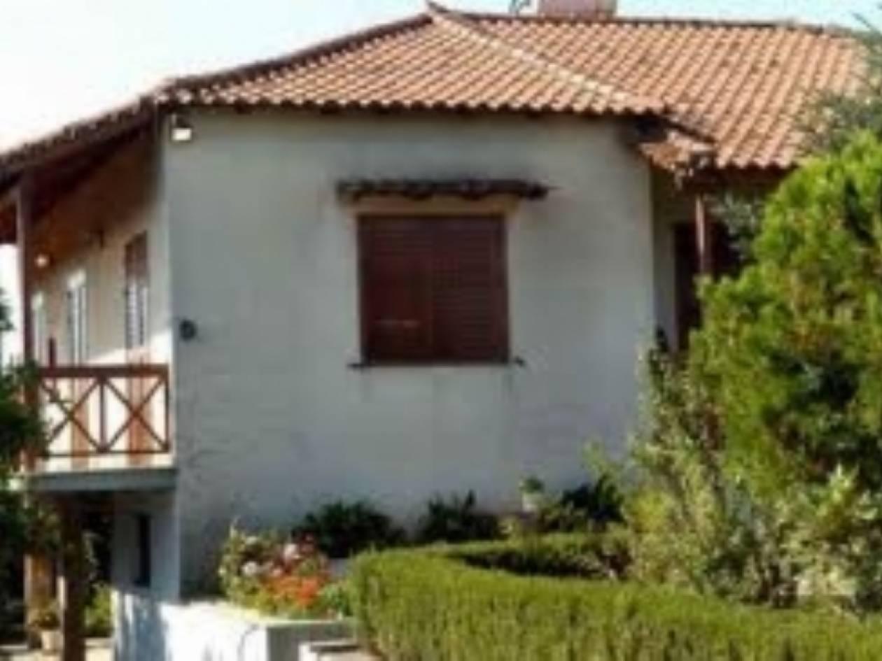 «Τρύπωσαν» σε σπίτι ηλικιωμένης στην Παλλήνη