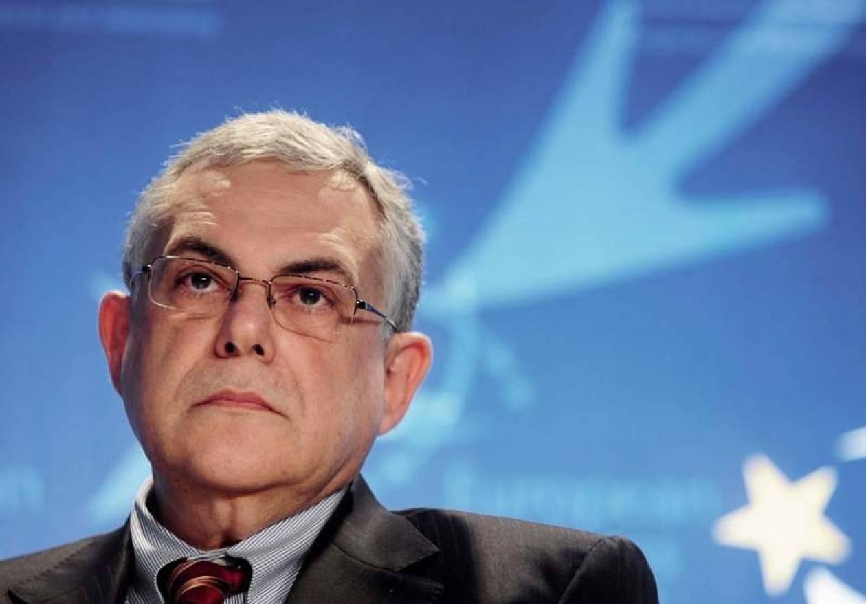 Βολιδοσκοπούνται Παπαδήμος και Προβόπουλος για τη θέση του υπηρεσιακού πρωθυπουργού