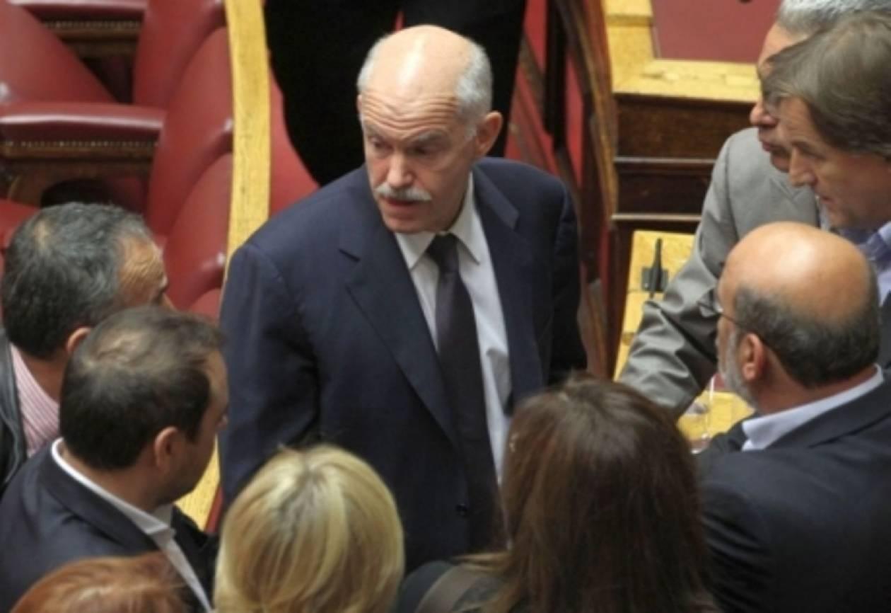 Reuters: Συμφωνία Παπανδρέου με τους βουλευτές να αποχωρήσει