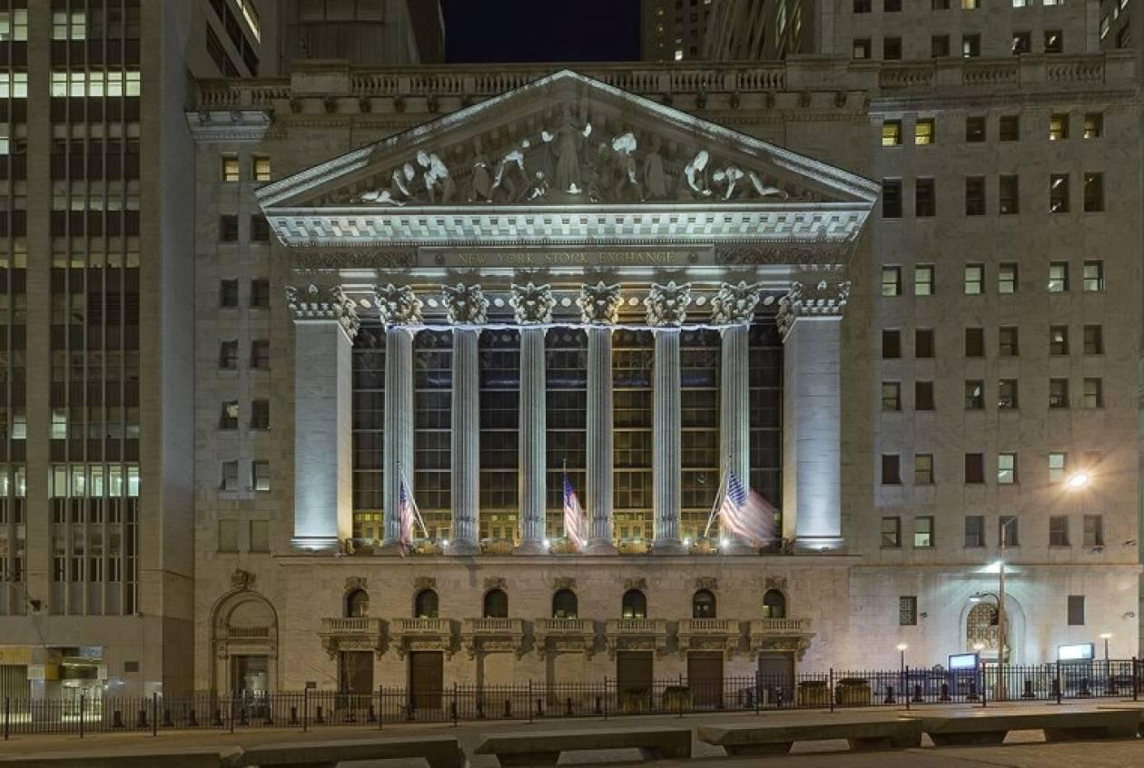 Ξεπέρασε το φράγμα των 12.000 μονάδων η Wall Street
