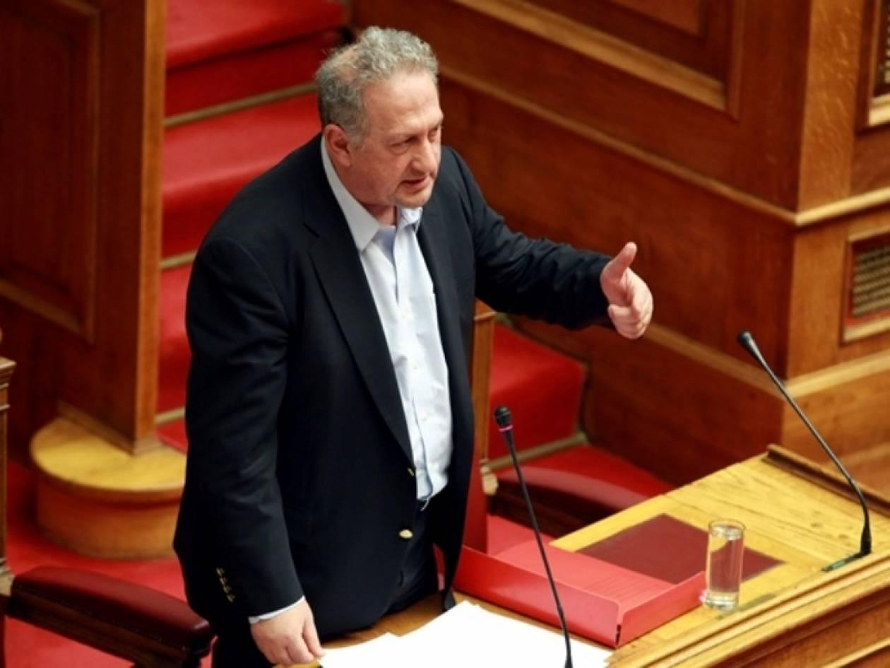 Κ. Σκανδαλίδης: Να βάλει τέλος στην αβεβαιότητα ο Παπανδρέου